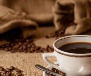 #22 Koffein, kávé: igen vagy nem (Clubhouse beszélgetés összefoglaló)